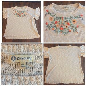 Democracy Sweaters - Democracy Flutter Sleeve Knit Top Size Large